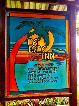 Paradise Island Lodge: Front sign