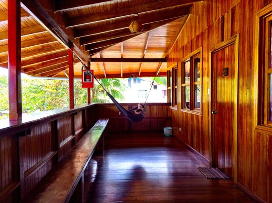 Paradise Island Lodge: Balcony with hammocks