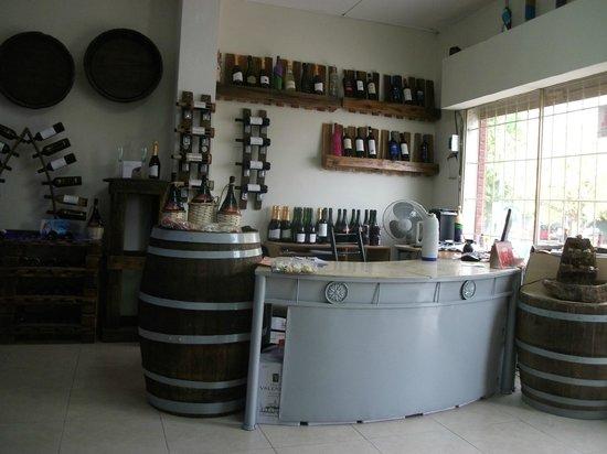 "Vinoteca ""La Botella"" Wine Bar"