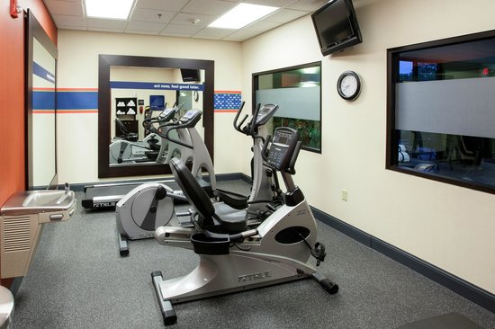 Hampton Inn & Suites Wilmington : Energize before that big meeting or burn off stress after a long day in our Fitness Center.