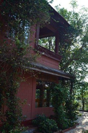 Ayurveda Yoga Villa: Dining and reading area