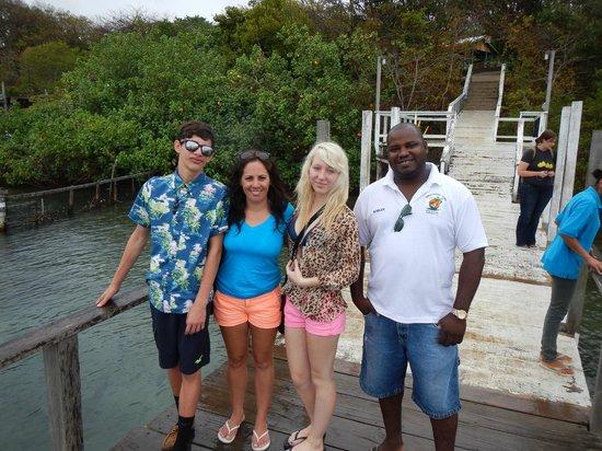 Roatan Christopher Tours: Family Cruise Ship Excursion - Driver Kislin