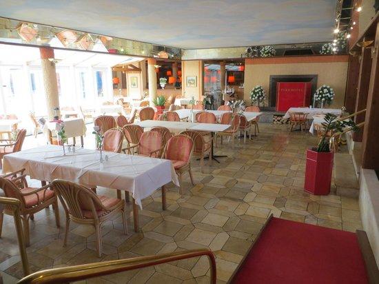 Parkhotel Bad Griesbach: Restaurant (Teil)
