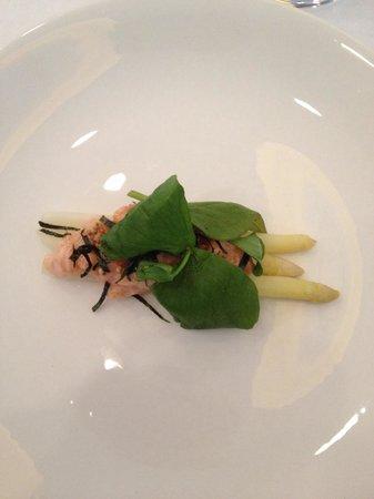 Blackbird: Arctic char crudo, white asparagus, greens