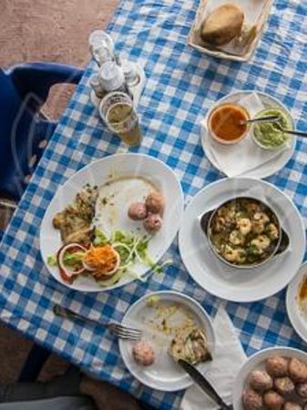 Casa de la Playa: Lunch with fish and seafood