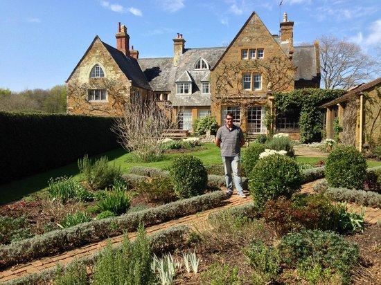 Coton Manor Garden: The Manor House