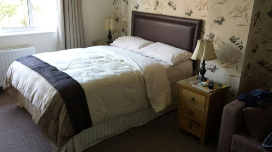 Beechmount Farm: Lovely comfortable bed, great view and the lady of the house is so kind and helpful.  Would come