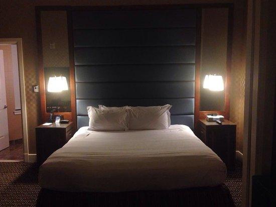 Kimpton Hotel Monaco Baltimore Inner Harbor: My room...