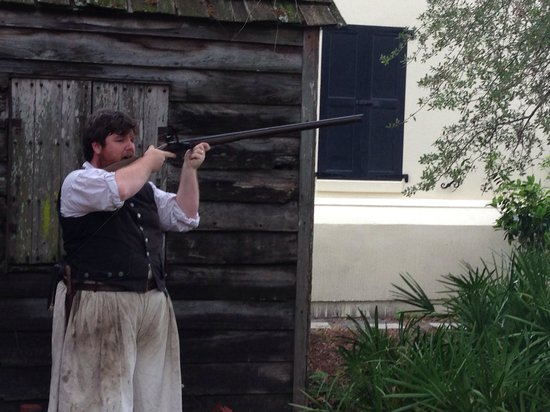 Colonial Quarter: Firing a musket