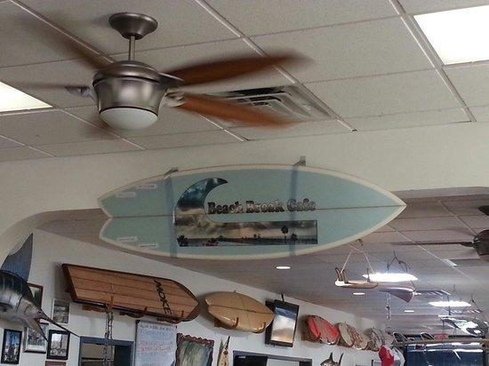 Beach Break Cafe : It's a surfers kind of place