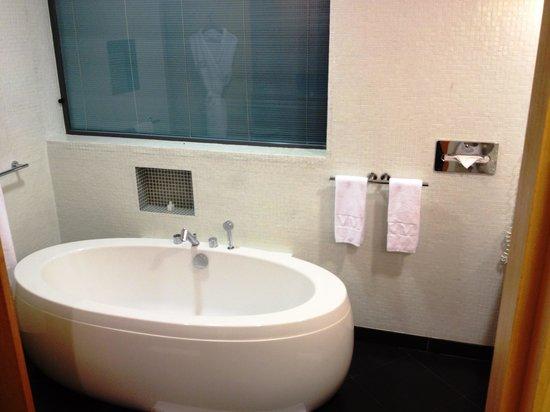 Villa madiba hotel: Bath