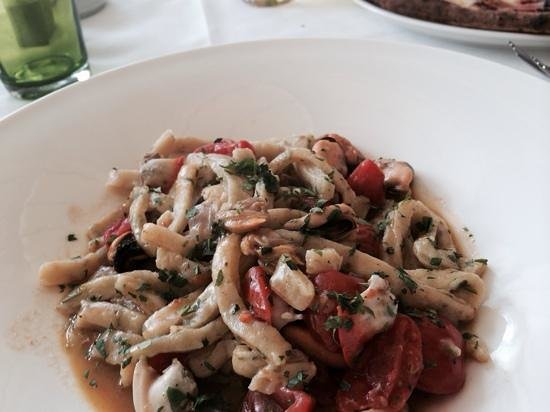 Villa Verde: Home made pasta with seafood