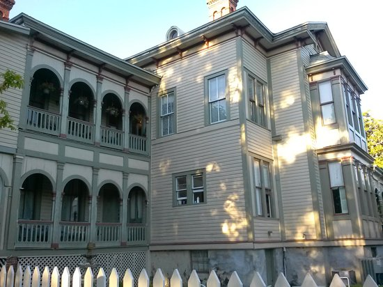 Fairbanks House: Just a magnificent place!