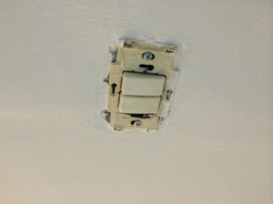 Be Center: Dangerous light switches