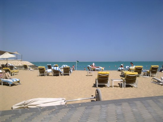 Hilton Doha: Private Beach