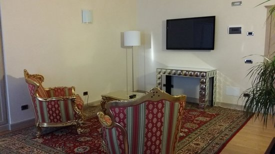 Liassidi Palace Hotel : The big tv in the other room