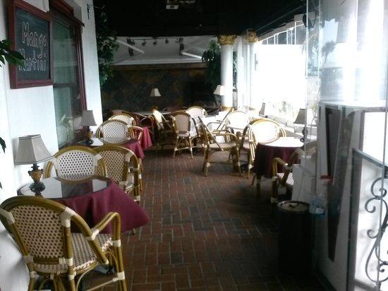 Casablanca Inn on the Bay : Casablanca inn veranda.