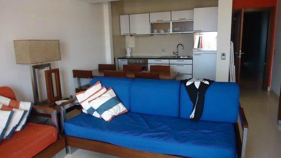 Hotel Apartamento Balaia Atlântico: cocina comedor y salon