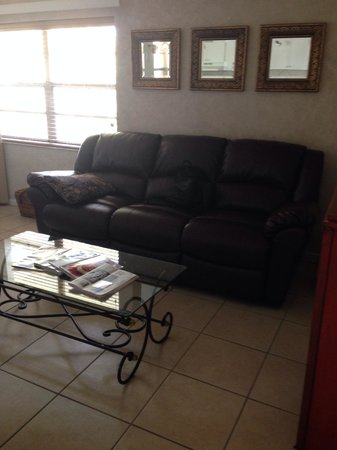 Wiggins Pass Chalet: Comfy Recliner, Leather Sofa!