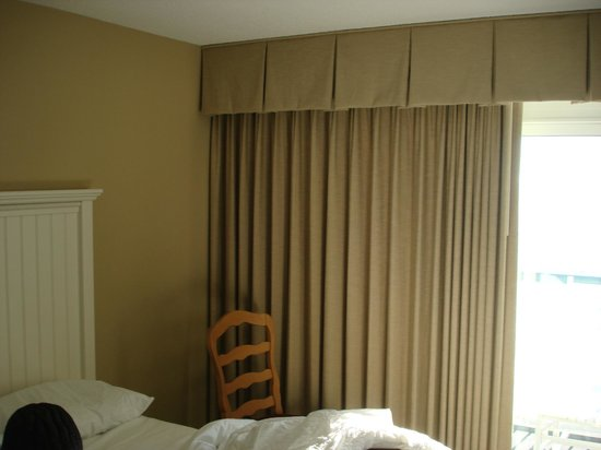 Hampton Inn & Suites Myrtle Beach/Oceanfront: Window
