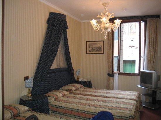 Kette Hotel: habitación