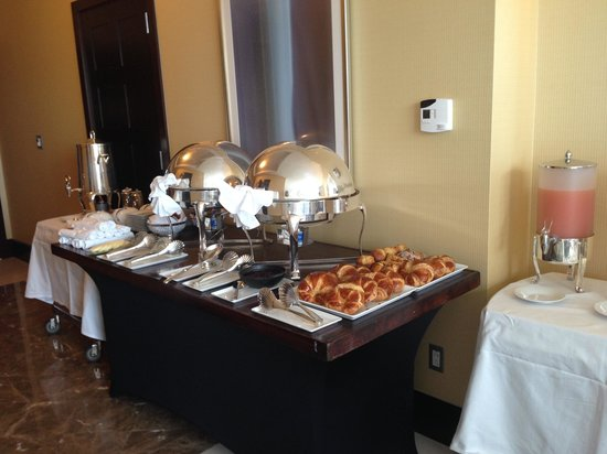 InterContinental Boston: Breakfast Buffet Set-Up