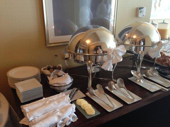 InterContinental Boston: Breakfast Buffet Set Up   2