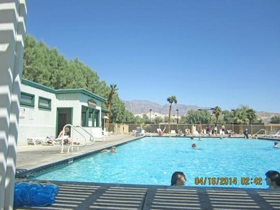 Furnace Creek Inn and Ranch Resort : Spring Fed Swimming Pool