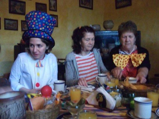 Posada Belen Museo Inn: Les clown se ravitaillent