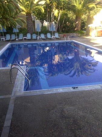 Hotel Xidas Garden : Piscine avec pataugeoire pour enfant