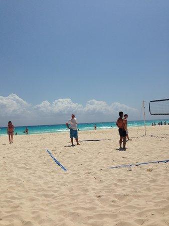 Viva Wyndham Azteca : Volleyball!