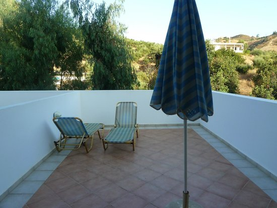 Hotel Xidas Garden: terrasse privative de la chambre