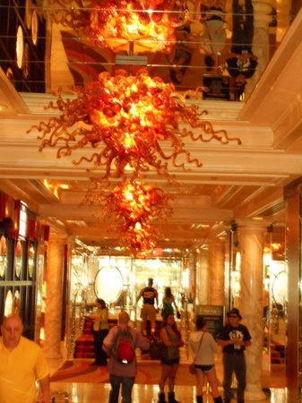 Casino at the Riviera Hotel : Candalier at Golden Nugget