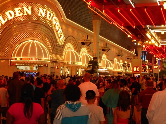 Casino at the Riviera Hotel : Golden Nugget at night