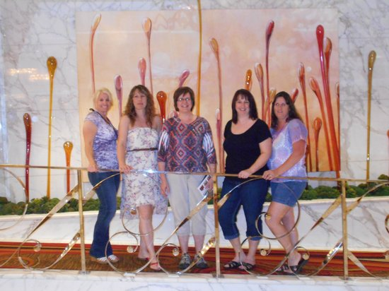 Casino at the Riviera Hotel : Friends at the Golden Nugget