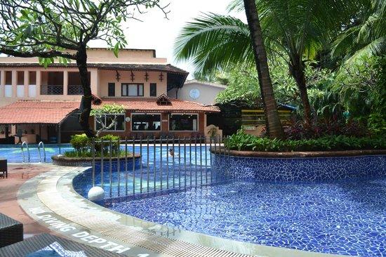 The Private Lawns Picture Of Lemon Tree Amarante Beach Resort Goa Candolim Tripadvisor