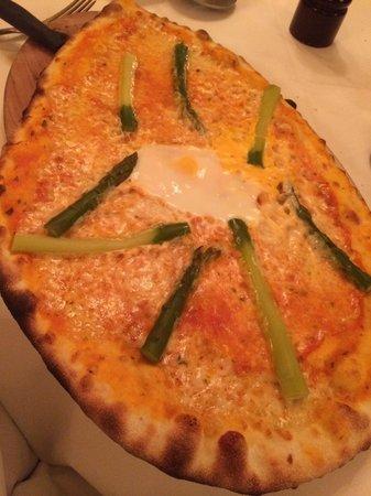 Scala : Superpizza mit dünnem Boden