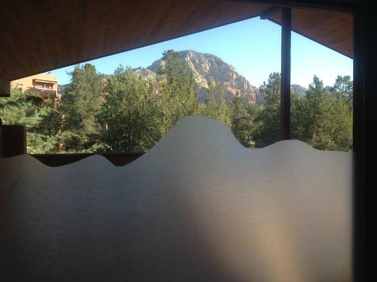 The Suites at Sedona: Shower View
