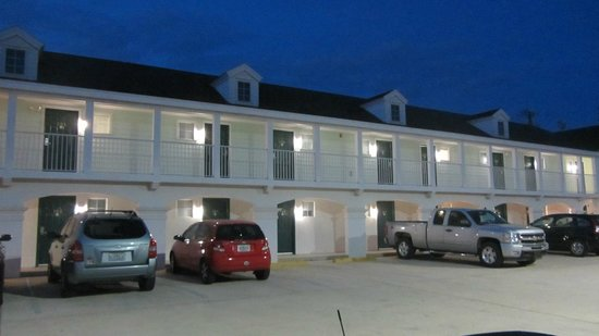 Anastasia Inn: Motel