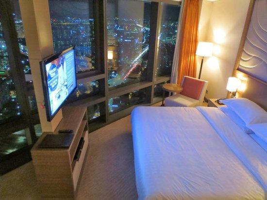 Sheraton Seoul D Cube City Hotel: Corner Room