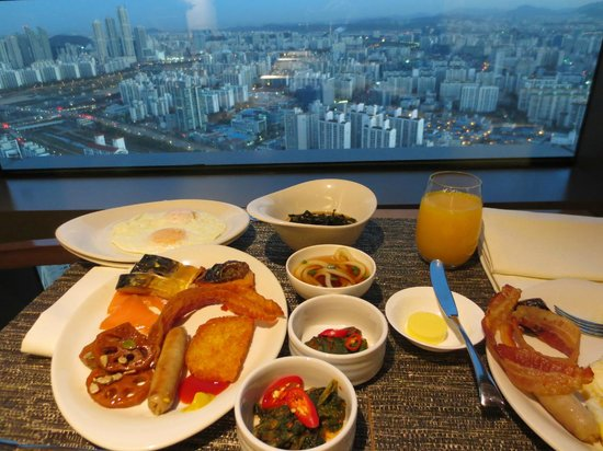 Sheraton Seoul D Cube City Hotel: Executive Club Lounge - Breakfast