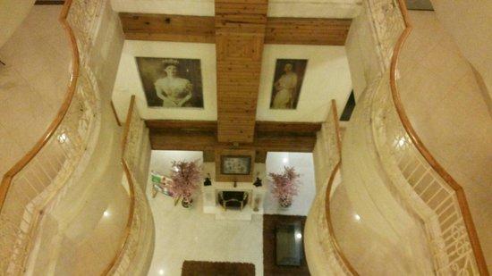 Viceroy Hotel: Atrium