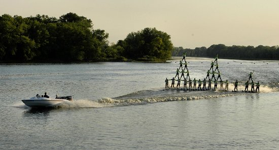 ‪Backwater Gamblers Water Ski Show‬