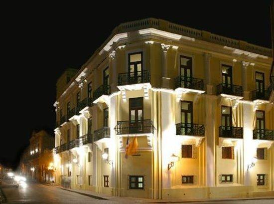 Antiguo Hotel Europa : Faixada noite