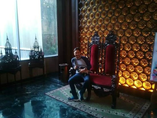 The Royal Surakarta Heritage Solo - MGallery Collection: area lobby