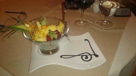 Sage Restaurant & Wine Bar : Home made orange sorbet