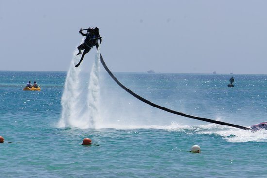 Steigenberger Al Dau Beach Hotel: Water Sports