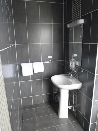 Best Western Buchanan Arms Hotel & Leisure Club: Bathroom