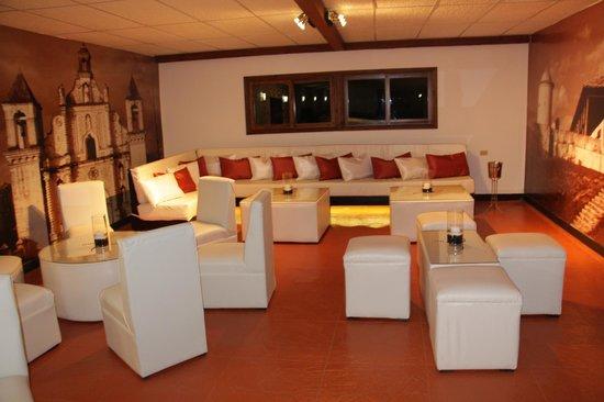 Hotel Real Camino Lenca: el gran congolon (bar + café)
