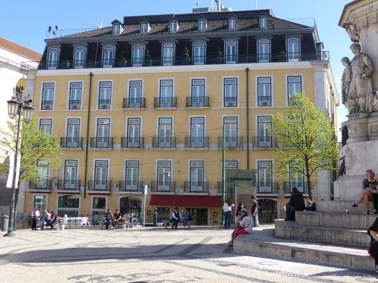Bairro Alto Hotel: A beautiful building